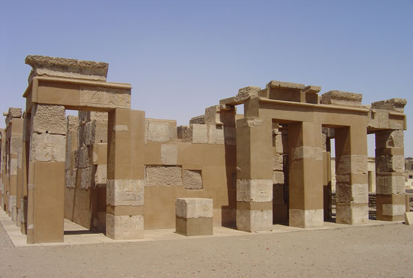 Assouan_temple_Satet.jpg