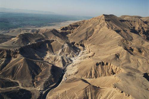 Egypte : Green Fire [PV Sentinel] Vallee-rois-vue-aerienne